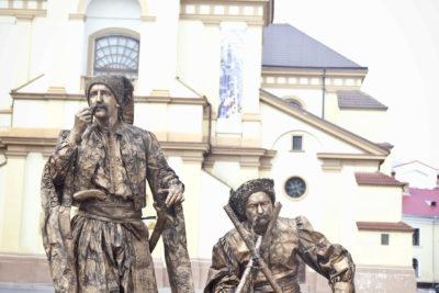Вуличні актори-міми (АУДІО)
