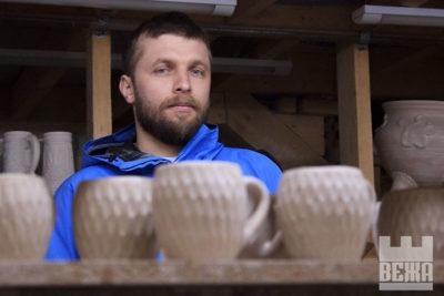 """Богдан Микитюк: """"На ярмарку, де ми вперше представили гончарські вироби, Городенківський краєзнавчий музей викупив усі наші роботи"""""""