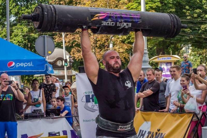 Прикарпатський стронгмен отримав запрошення за змагання Арнольда Шварценегера
