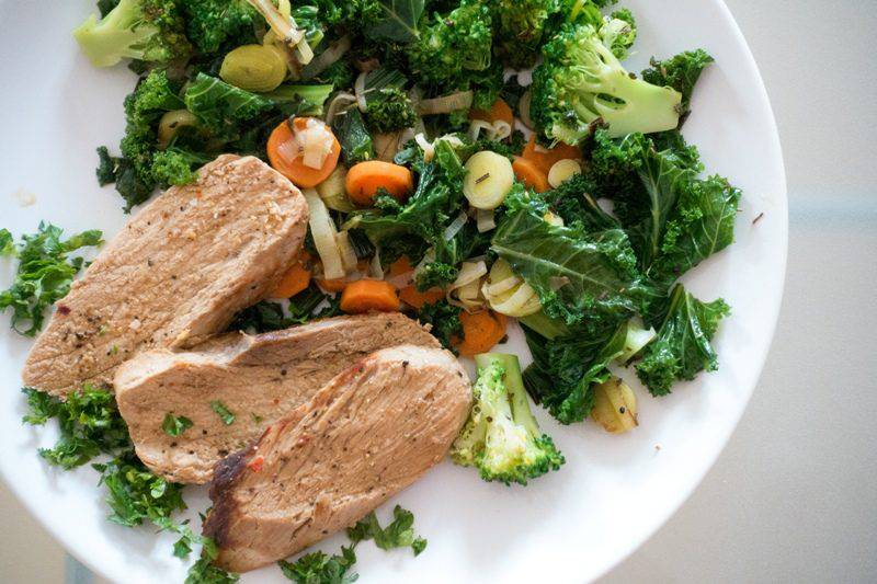 foodiesfeed.com_pork-meat-with-green-vegetables
