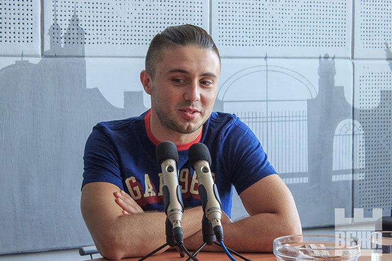 """Лідер гурту """"АНТИТІЛА"""" Тарас Тополя презентує альбом «Hello» - ч. 1 (АУДІО)"""