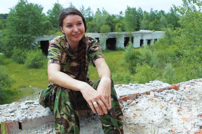 """Анна """"Пулємьотчєца"""" Стецько, 36 років, до війни працювала в банках та архівних компаніях (ВІДЕО)"""