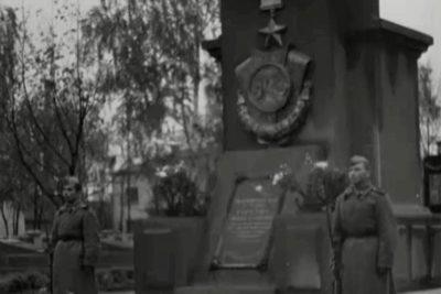 Відкриття меморіалу вічного вогню (1946 р.) та медичний інститут (1949) (ВІДЕО)
