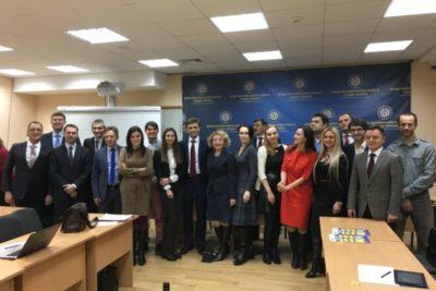 Чи є голос у громадськості при відборі суддів до Верховного суду України?