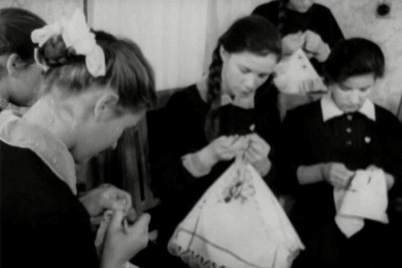 Перший сніг в дитсадку та шкільне дозвілля (1961) (ВІДЕО)