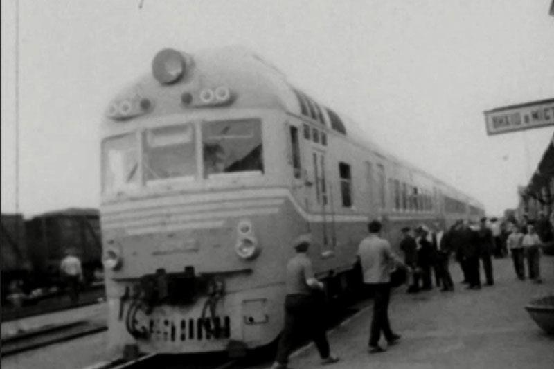 """Студенти Нафти і Газу, осінній ярмарок (1971) та перша відправка потягу """"Червона рута"""" (1972) (ВІДЕО)"""