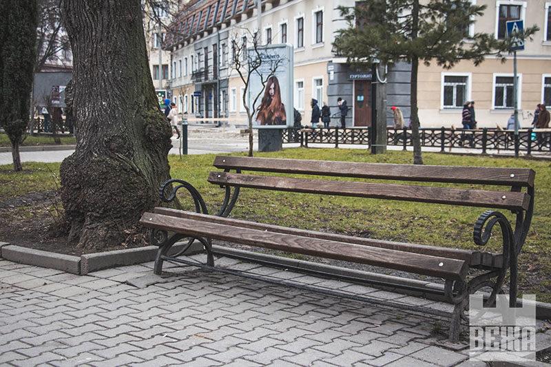 Один день із життя франківської лавки (ФОТО)