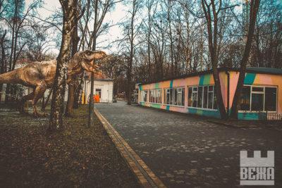 Франківськ Юрського періоду: Динозаври вийшли на вулиці Франківська (ФОТО)