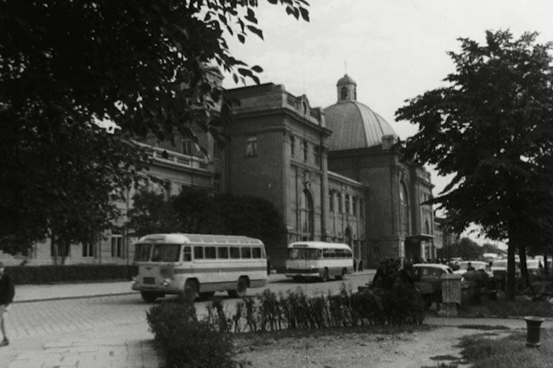 """Cвяткування 10-ти ліття """"Золотого вересня"""" (1949) та вступні іспити до франківської політехніки (1965) (ВІДЕО)"""