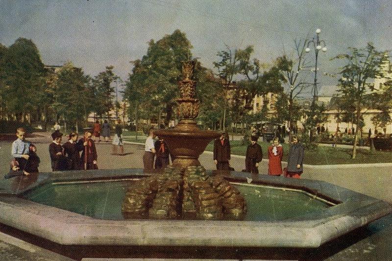 Перші кольорові поштівки радянського Станіслава (ВІДЕО)