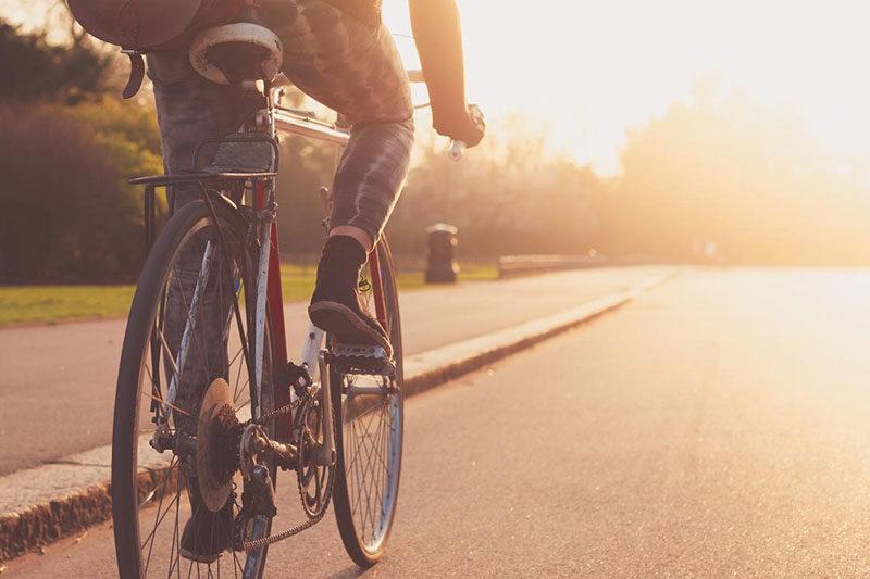Велосипедом на роботу — як зручно і швидко пересуватися містом (ФОТО)