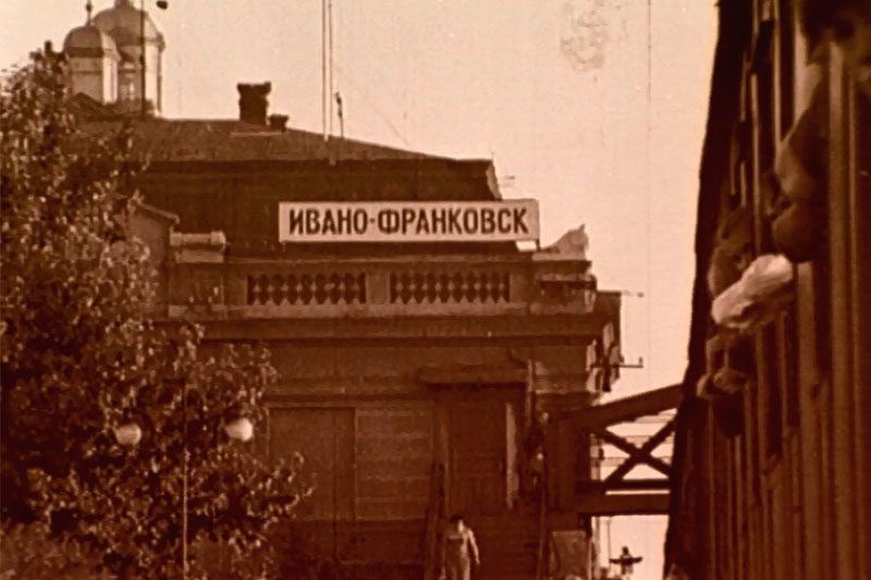 Робота та дозвілля працівників швейної фабрики (1967 р.) (ВІДЕО)