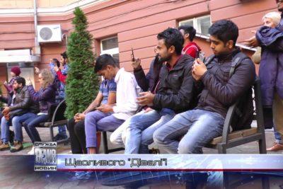 В Івано-Франківську студенти-іноземці святкували «Дівалі» (ВІДЕО)