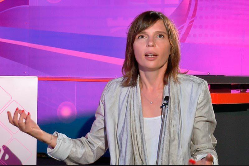 """Ірена Карпа, письменниця, вокалістка гурту """"Qarpa"""" (ВІДЕО)"""