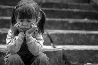 Впусти в сім'ю ангела: діти, які з нетерпінням чекають на батьків