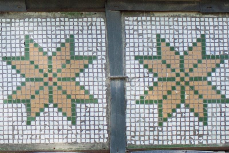 Якими збереглися давні мозаїки на франківських балконах (ФОТО)