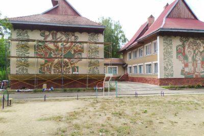 Автор композицій на стінах дитячого садочку «Карпатська казка» Петро Прокопів висловив думку про можливе знищення унікальних робіт