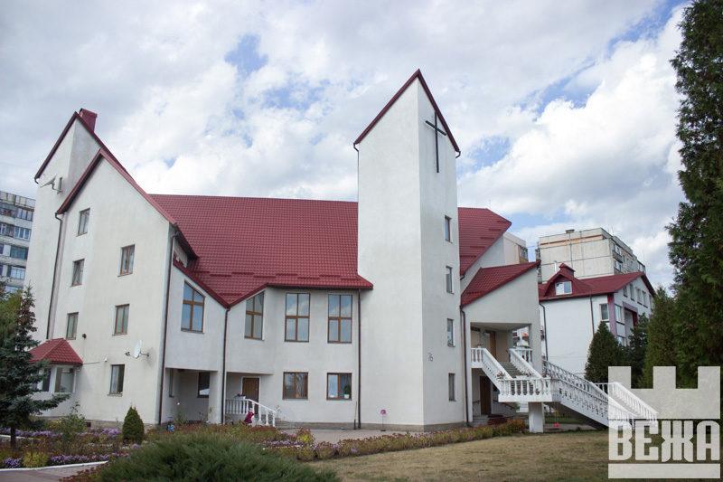 Церква Адвентистів Сьомого Дня Зсередини (ФОТО)