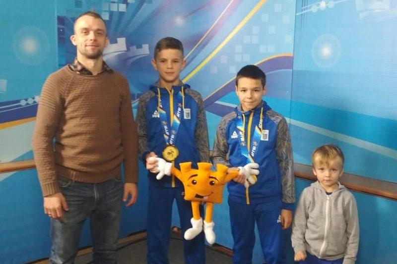 «Золотий» виступ на європейському чемпіонаті з джиу-джитсу. Найвищі нагороди вибороли юні франківці (АУДІО)